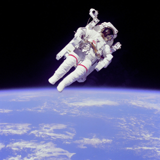 Bruce McCandless in MMU