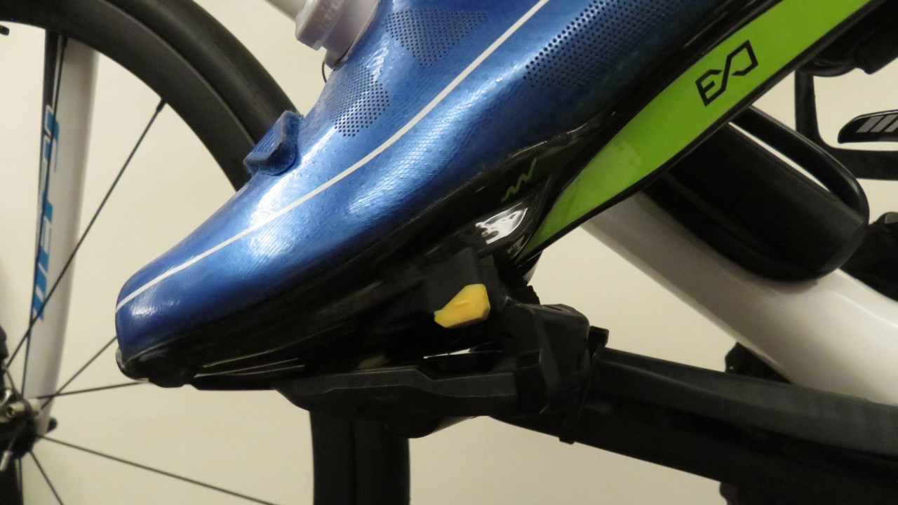 GIANT Surge Road Shoes and Shimano Ultegra SPD-SL Pedals